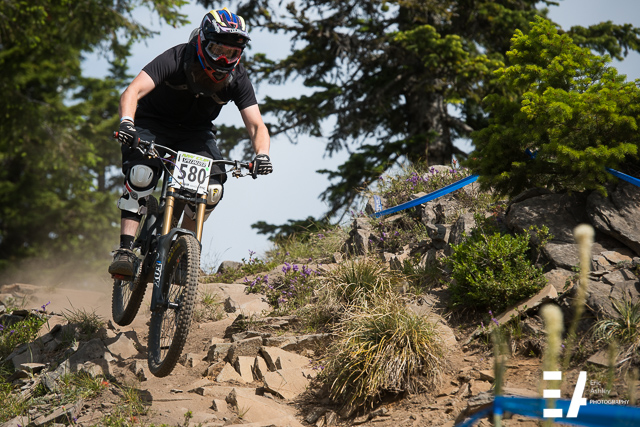 Racing on the Ridgetrail NW Cup 2015 at Skibowl.