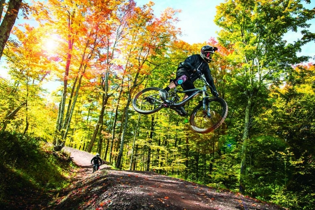 Fall is here and the trails are jammin'.