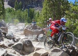 Aaron Gwin rocks the garden on his way to National Champ.