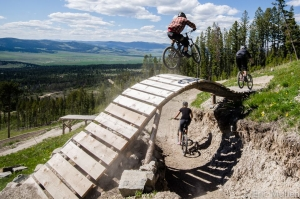 2017 OPENING DAY: Discovery Bike Park